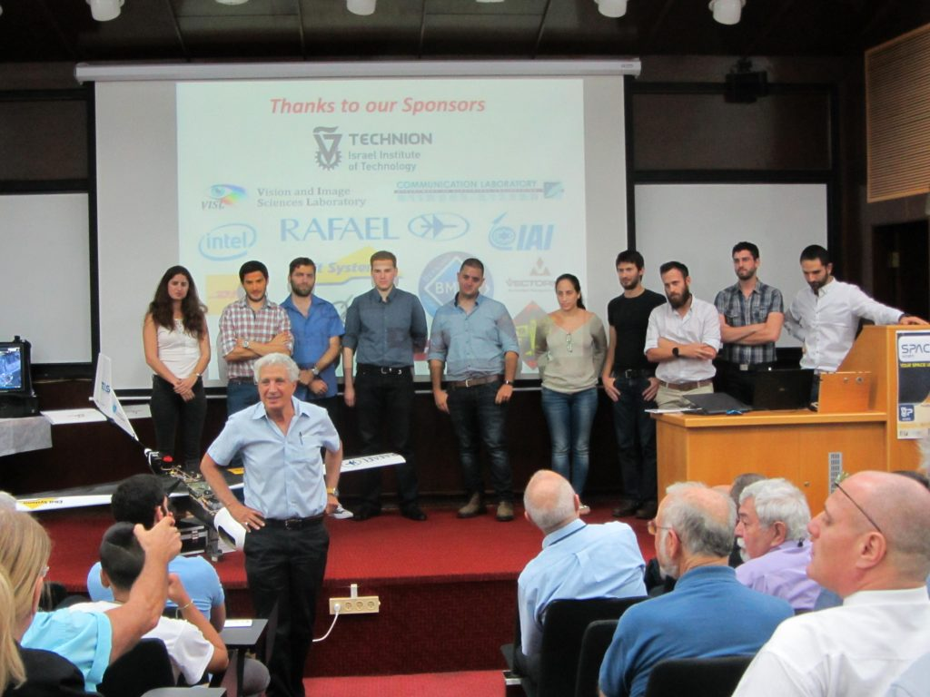 Dror and the AUVSI 2016 team on stage at the end of the seminar