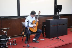 Assoc. Prof. Moshe Idan on the guitar