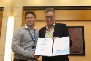 Federico Roizner, A Ph.D. student, receiving the Hanin Prize